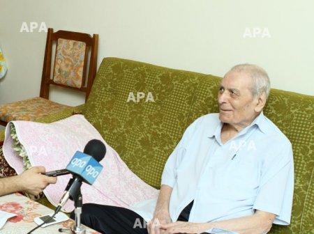 """Əmirəli Lahrudi: """"90 yaşım var, amma hər gün atamı xatırlayıram, onunla görüşmək istəyirəm"""""""