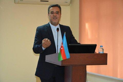 """""""Aİİ Beynəlxalq Tərcüməçilər günü ilə bağlı dəyirmi masa keçirib"""""""