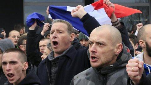 Fransa əhalisinin yarıdan çoxu miqrantların qəbuluna qarşı çıxıb