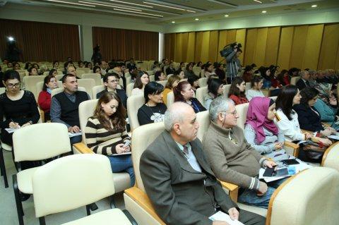 """Mərkəzi Elmi Kitabxanada Elmin İnkişafı Fondu və """"Springer Nature"""" birgə müəllif seminarı keçirib"""