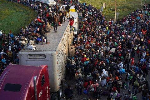 Meksika-ABŞ sərhədini qanunsuz keçməyə cəhd edən 800 miqrant saxlanılıb