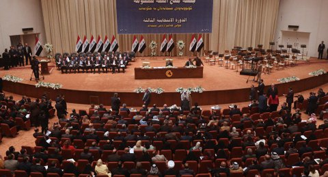 İraq parlamentində xaos yaşandı