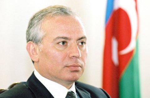 """Fərhad Abdullayevə """"Şöhrət"""" ordeni verildi"""