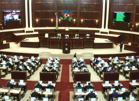 Milli Məclisin plenar iclası keçirilir