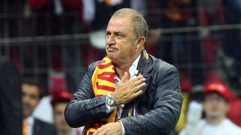 """""""Qalatasaray"""" 2 futbolçu ilə yollarını ayırır"""