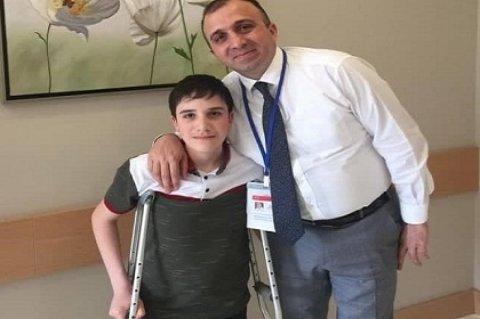 Neyrouroloji xəstəliyi olan 12 yaşlı uşaq uğurla əməliyyat edilib