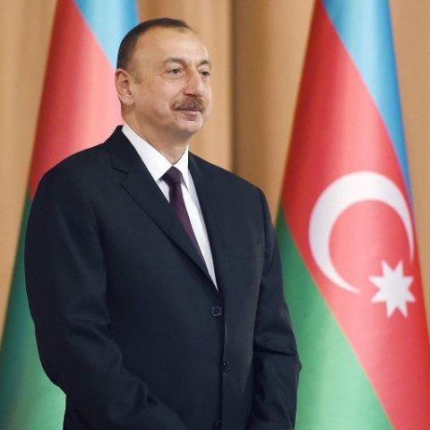 Prezident Əmir Pəhləvana mənzil bağışlayıb