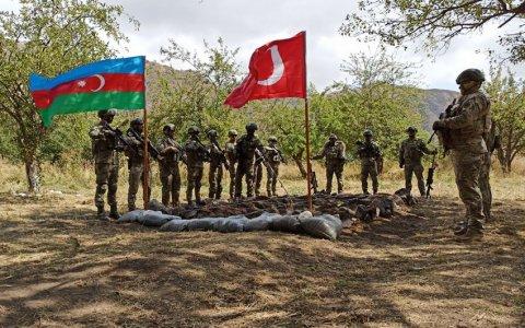 Azərbaycan və Türkiyə hərbçiləri Laçında..