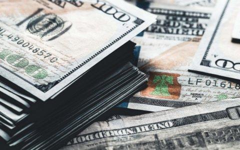 Xalis maliyyə aktivləri 695,6 milyon dollar artıb